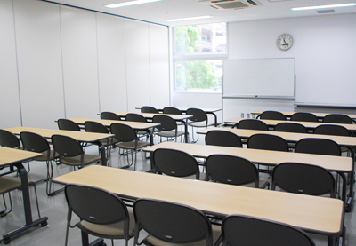 新浦安国際センター 研修室