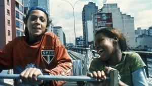 エンジョイウィークエンド~世界を考える映画~ 「それでも生きる子供たちへ」 の一場面